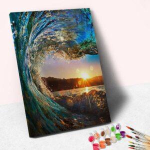 Sonnenaufgang durch Meereswellen