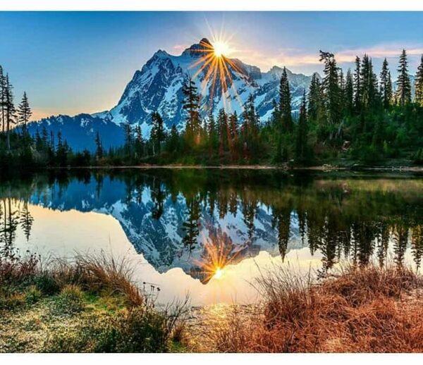 Sonnenaufgang auf den Bergen